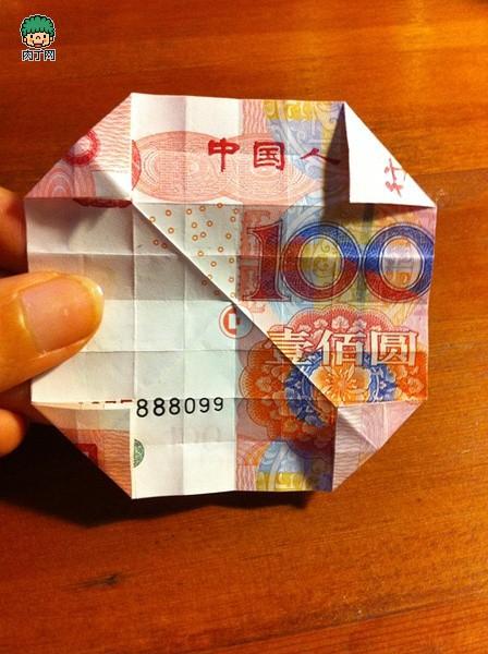 用钱折玫瑰花步骤图解 怎么用100元钱折玫瑰花教程